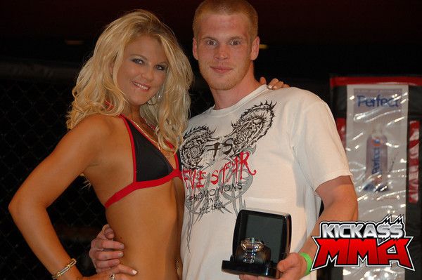 Click here to see even more MMA Babes!